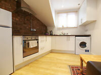 Well Presented Studio with exposed brick work seconds from East Finchley Tube Station