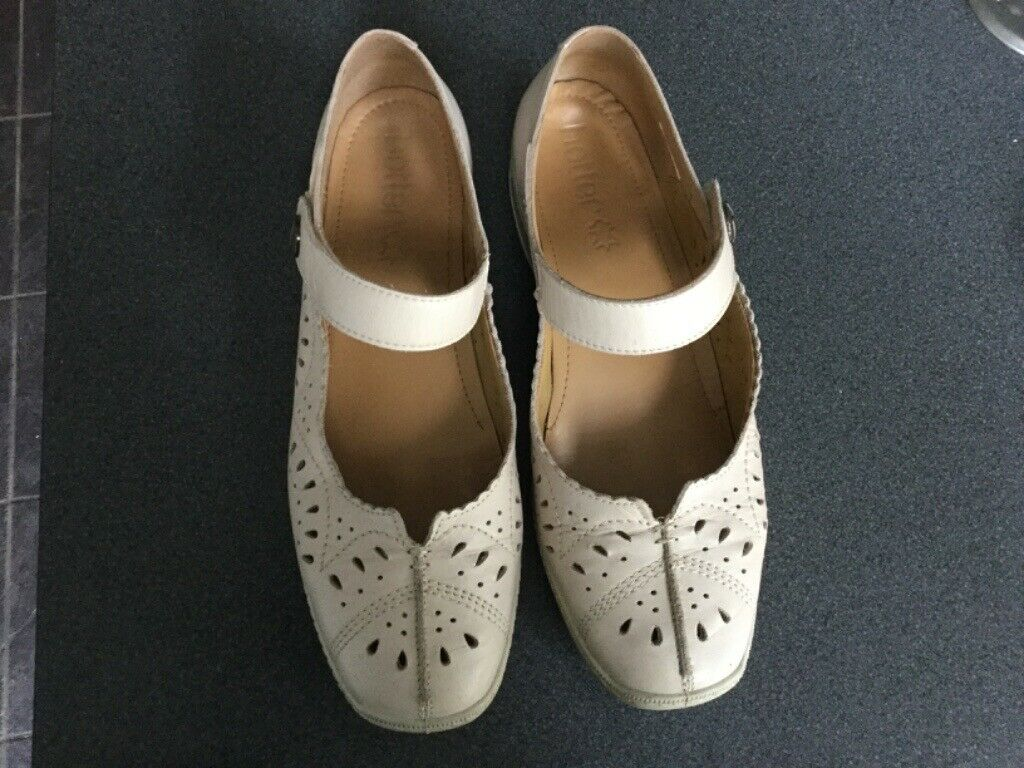 Hotter Chile Beige Leather Summer Shoe