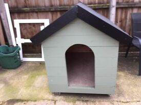 New large dog kennel 100% water tight 87cm x123cm x 122