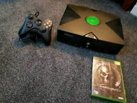 Original Xbox in fully working order, 1 game & pad & power lead