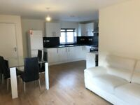 Large 4 Bedrom House In Brentford, TW8, Great Location & Condition, Local to Train Station