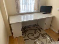 ikea malm desk oak in HA3 Brent for £25