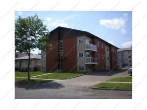 CENTRALLY LOCATED BACHELOR SUITE IN ST. MARY PARK