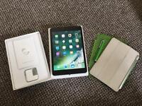 Apple IPad Mini 3 Wifi & Cellular 4G Retina Display Boxed Bundle £160