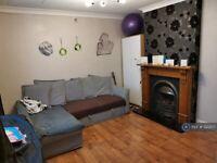 2 bedroom house in Fairfield Avenue, Watford, WD19 (2 bed) (#1222157)