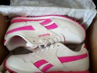 Size 4 brand-new in Box free Delivery