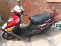 suzuki sym jet 50 49cc scooter 2 seater womens