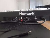 Numark Mixdeck Express DJ controller and player