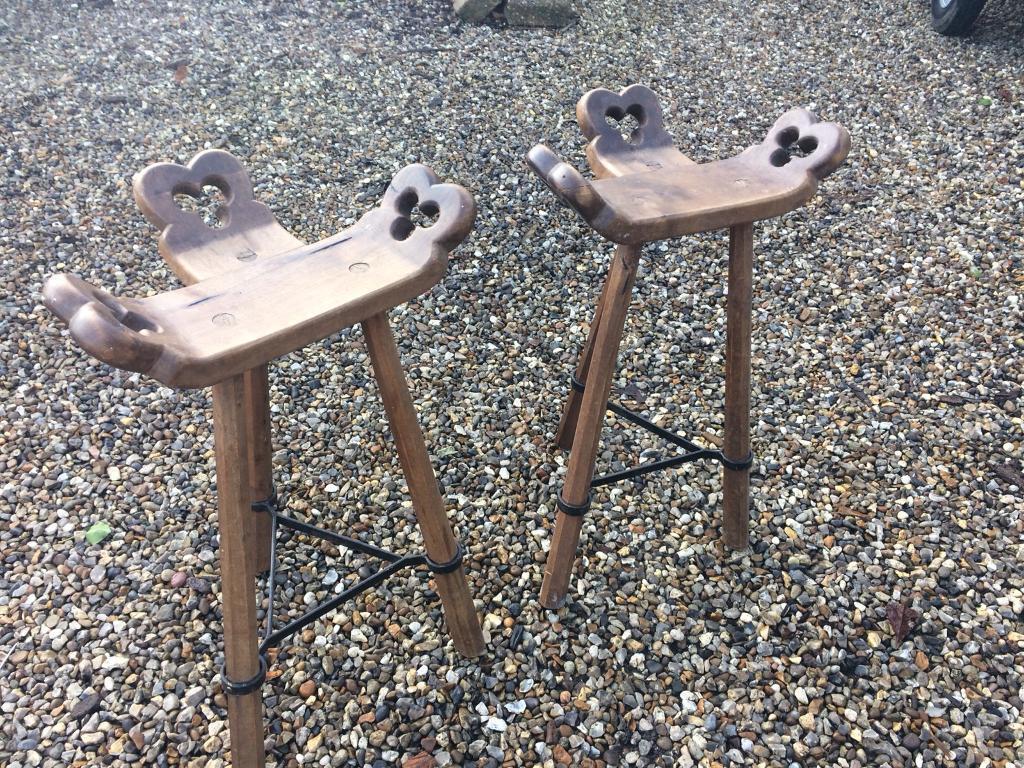 2 x breakfast / Bar stools