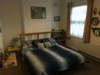 Two double bedrooms in professional houseshare in Surbiton