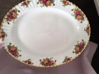 Royal Albert Large Oval Serving Platter (Old Country Roses)