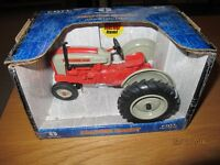 MODEL FORD TRACTOR