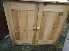 Small 2 door cupboard