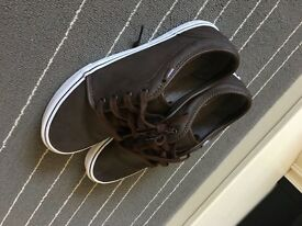 vans Trainers size uk 9.5