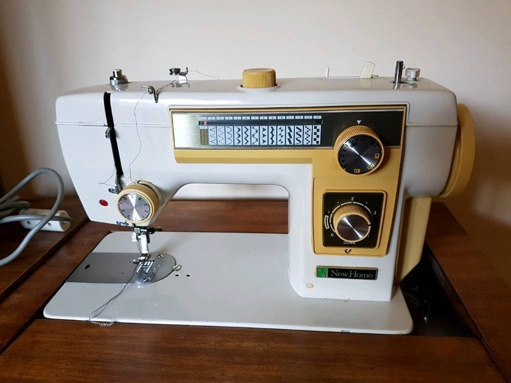 Janome New Home Model 551 Sewing Machine with table