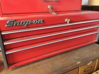 Snap on tool box chest with drawers
