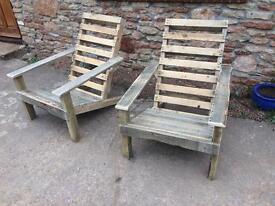 Pallet garden chairs