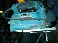 **MAKITA JIGSAW**MODEL 4329**240V**FULLY WORKING**FULLY WORKING**ONLY USED A FEW TIMES**WITH BLADE**