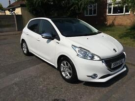 Peugeot 208 1.4 HDi Style 5drLike New 1 Lady Owner
