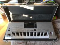 YAMAHA TYROS 3 WORKSTATION WITH SPEAKERS and CASE