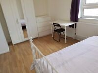 LARGE Double Room / Poplar Area, Minutes Walk From DLR / All Bills Inc / Avail 15th December !!