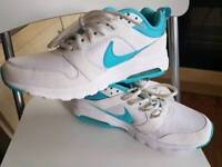 Brand new female Nike Shoes size 5