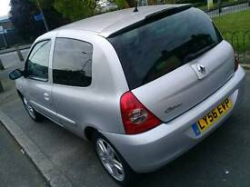 Renault Clio 2007 i Music very good conditions long MOT part exchange welcome