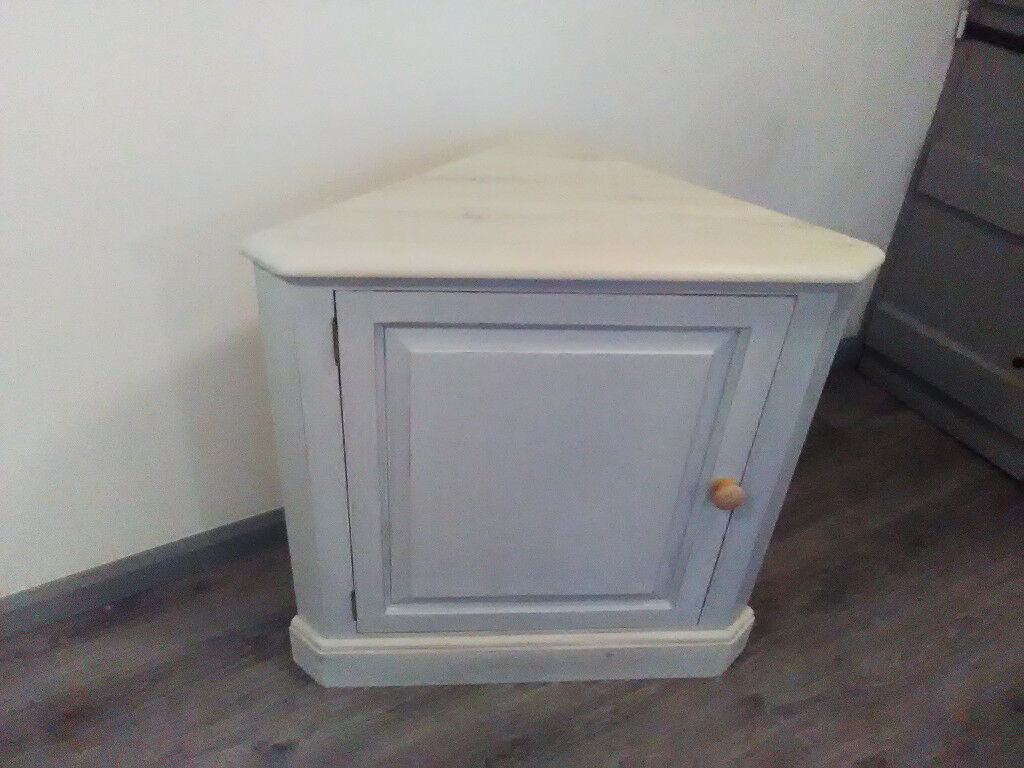 Large pine corner cupbaord refurbished