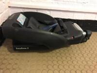 Maxi Cosi easybase 2 belted car seat base