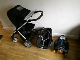 Complete maxi cosi travel system