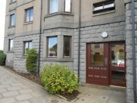 available 6th nov 2 Bed Executive flat AB24 5PP Errol st off King St, for professionals / Students