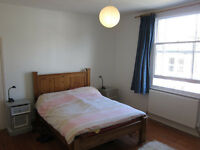 Large, bright double room in the heart of Montpelier - all bills incl.