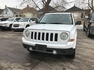 2016 Jeep Patriot High Altitude | LEATHER | ROOF | 4X4 London Ontario image 2