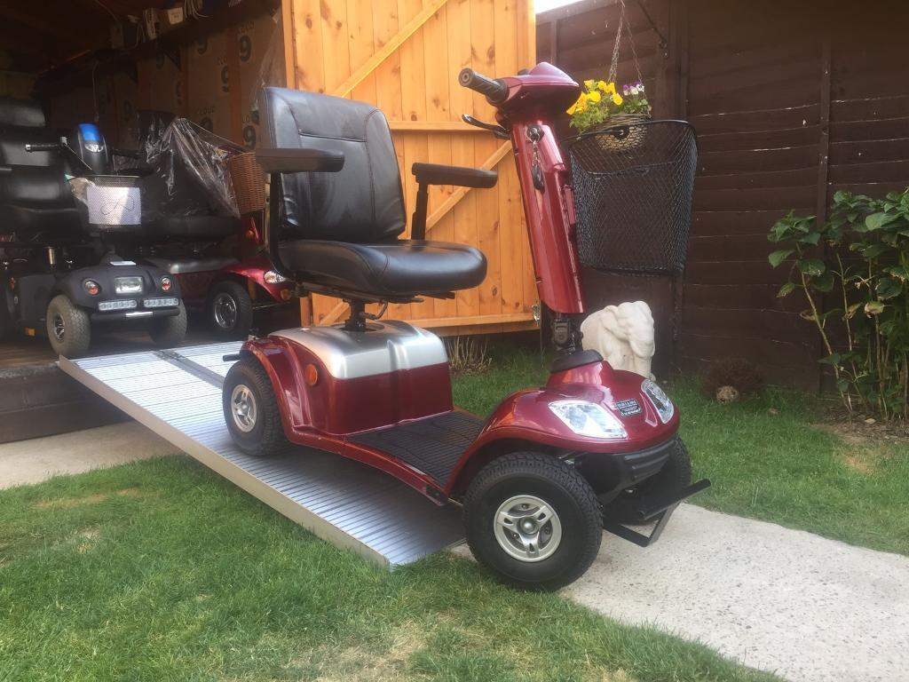 NEARLY BRAND NEW KYMCO SUPER 4WINTER CANOPYWAS2500in Heathrow, LondonGumtree - 07946676989 we ex deliver for a fee and can remove your old scooter in part exchange we can also take your vehicle or motorcycle BARELY USED (( STILL HAS THE NEW LINES ON TYRES FROM NEW . BRAND NEW ANTI THEFT SECURITY ALARM FITTED .20 MILE RANGE 20...