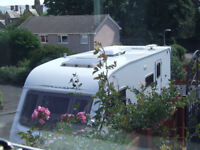 Swift Challenger 520 SE (2006) Air con. Motor mover, Cooker hood, Airbeam awning etc. £5300.00.