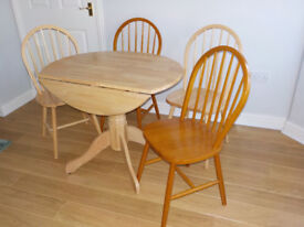 Dining Table & 4 Windsor Chairs.