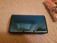 Teal Nintendo 3DS in great condition with game, charger, SD Card, Case and Charger