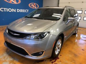 2018 Chrysler Pacifica Touring-L Plus PANO SUNROOF/ HEATED LE...