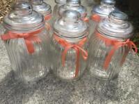 Sweet jars ideal for wedding decor