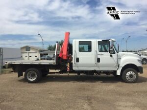 2014 International Terrastar 4X4 DIESEL FASSI 80 PICKER TRUCK