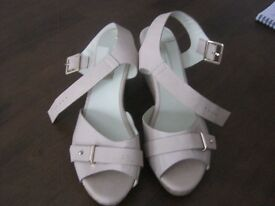Ladies Neutral Sandals Size 7