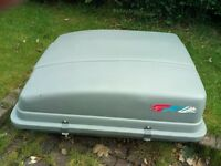 Halfords Large roof box/luggage carrier - fits on roof bars - complete with locks