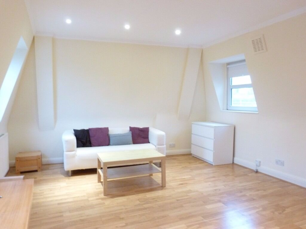 One bedroom conversion flat on Great Western Road, W9