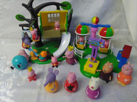PEPPA PIG TREE HOUSE, BALLOON PARK PLAYSETS AND 16 FIGURES
