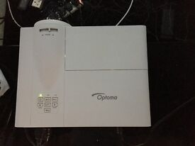 Optomia 3D hd projector and remote control 150 inch screen.