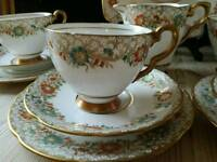 Stunning Vintage 15 piece tea set