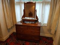 Beautiful Antique Chest of Drawers with Mirror (Edwardian)