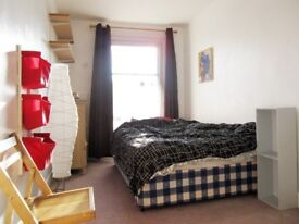 ALL BILLS INCLUDED - DOUBLE ROOM IN A HOUSESHARE IN STOKE NEWINGTON FOR £700.00 pm