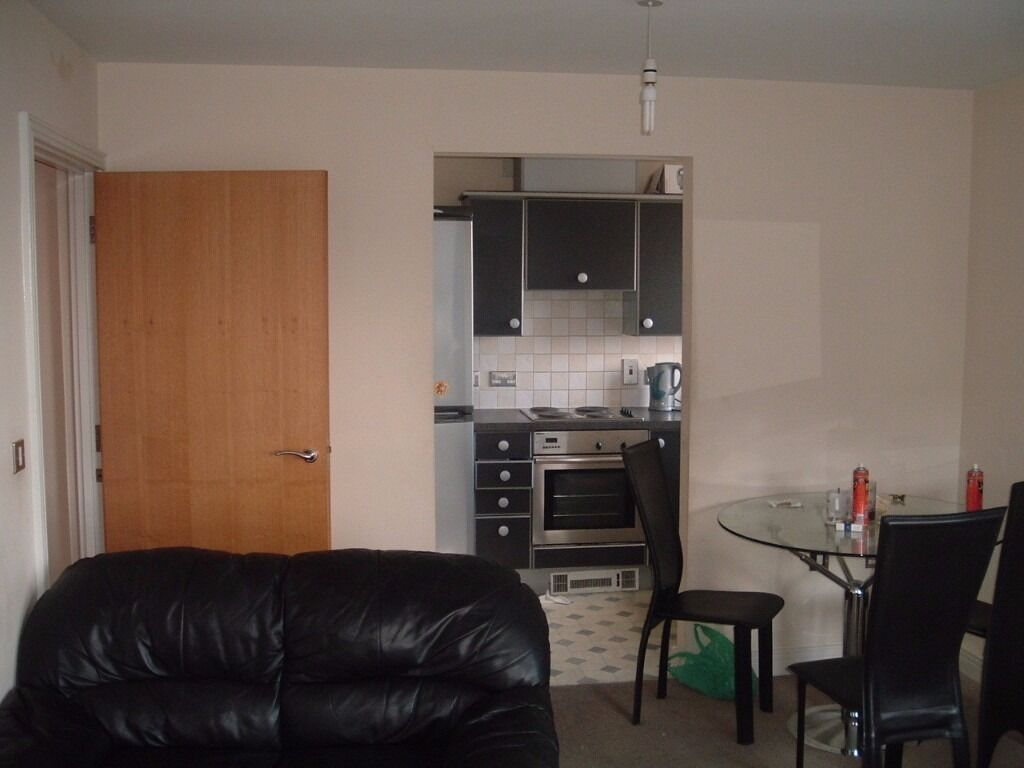 2 bed apartment available to let on high road ilford