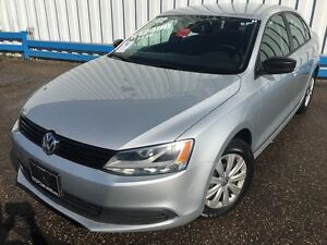 2012 Volkswagen Jetta Trendline *HEATED SEATS* Kitchener / Waterloo Kitchener Area image 1